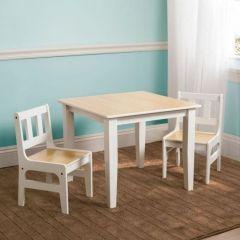 Kleiner Tisch mit Stühlen - Natur